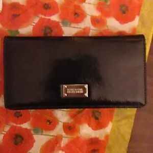 Kenneth Cole Reaction Black Patent Leather Wallet